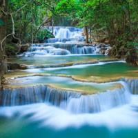 sonhar com agua limpa corrente